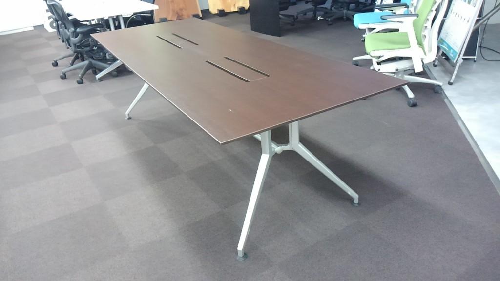 ITOKI(イトーキ)ミーティングテーブル